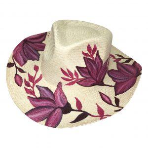 Sombrero con flores lilas pintadas