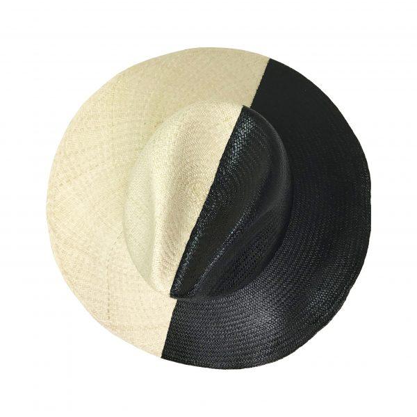 Sombrero de color negro y natural